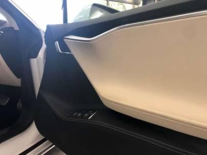 テスラ モデルS P85+ 白革 エアサス ワンオーナー P85+