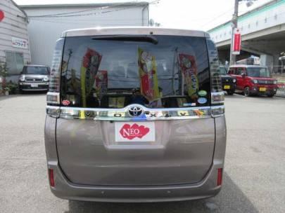トヨタ ヴォクシー 2.0 X 新車クリアランスソナーナビTVバックカメラ