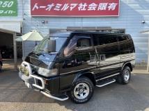 デリカスターワゴン 2.4 エクシード サンルーフ 4WD 回転対座シート 15AW 7人乗り ガソリン車