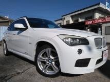 X1 sドライブ 18i Mスポーツパッケージ 白ホワイト