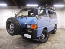 デリカスターワゴン 2.4 エクシード サンルーフ 4WD ガソリン車 BTオリジナルスタイル