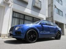 ベンテイガ V8 4WD ディーラー車 禁煙車 屋内保管 右H