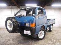 デリカトラック キャブオーバー 平ボディ 4WD ディーゼルターボ スペアタイヤラック