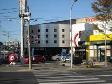 トヨタカローラ和歌山 シーズ宮街道店の店舗画像