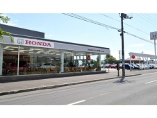 Honda Cars 北海道 百合が原店(認定中古車取扱店)の店舗画像