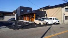 鶴見自動車 の店舗画像